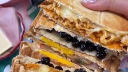 每天起床的动力!网红三明治!想做给你吃~❤️#花样吐司 #轻食机 #美食推荐官