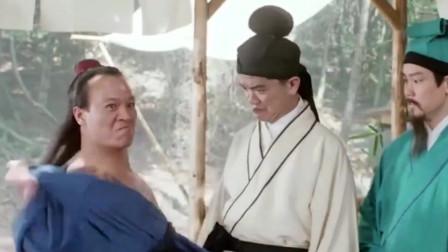 武松以为对手的纹身也是假的,上去就使劲的擦,结果这个是真货