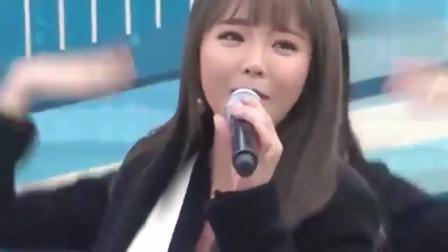 """韩国歌曲:非常讨人""""喜爱""""的洪真英,胖嘟嘟的唱起歌来真是可爱"""