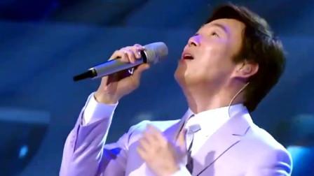费玉清翻唱最成功的一首歌,干净声音听着很有动力,忘记谁是原唱