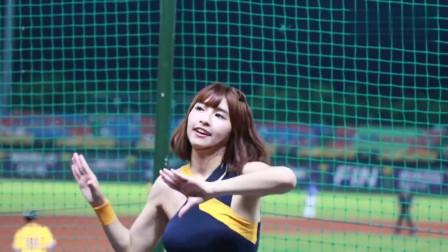 韩国美女啦啦队,你蹦蹦跳跳的样子真的好美!