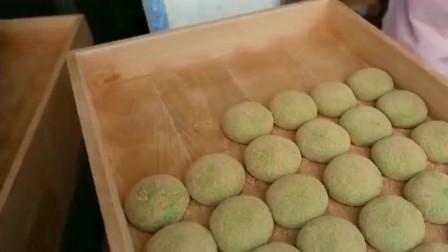 日本街头美食不可错过的小吃,Q弹的麻薯入口软糯