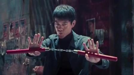 不要跟李小龙大哥玩双节棍