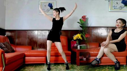 静儿客厅热舞《坏坏坏》你坏死的坏,坏得让我爱死的爱