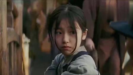 我真的爱惨了她小时候的样子,真的太可爱了!