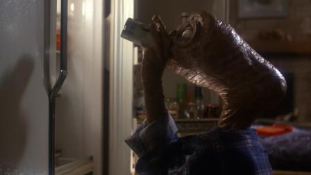 外星人ET:外星人趁小男孩不在家,偷喝啤酒,这玩意真上头