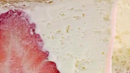 自制麻薯皮、现成的吐司片,教你在家做超级好吃的冰皮蛋糕!