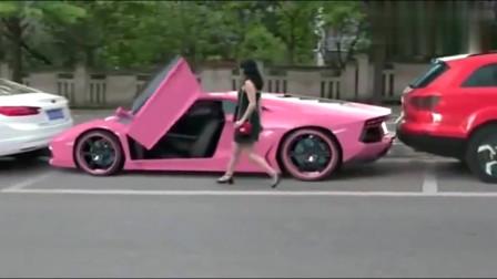 街头这样豪车你见过吗,妈妈终于不用担心我停不进车位了
