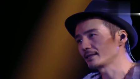 男才女貌唱经典歌曲《广岛之恋》,现场动听到泪崩