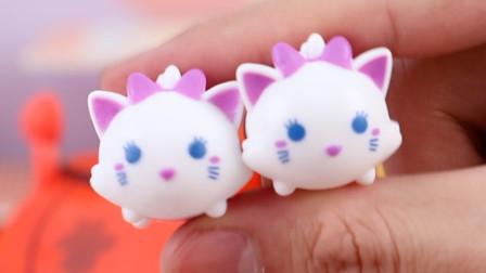 松松惊喜奇趣蛋得到两个可爱的小猫松松