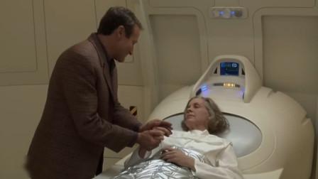 机器管家:二小姐中风了,机器人想哭却哭不出来,为啥我不会流泪