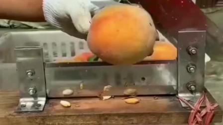 所有人都说黄桃罐头不卫生,看到广东食品厂的制作过程,反正我没话说!