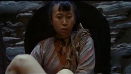 妇女围堵黄渤,要除了黄渤的祸根,看见了啥眼睛突然放大