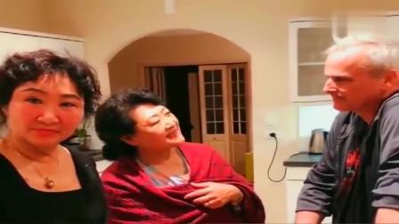 老外在中国:姨妈们问皮特最喜欢谁,洋女婿果然最惦记的还是丈母娘