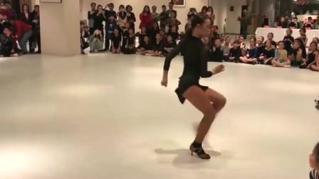 拉丁舞:网红拉丁舞美女的比拼,高手之间的过招,真的是难分胜负啊!