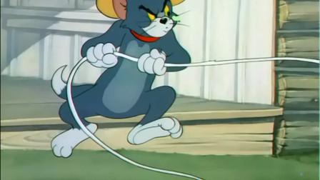 牛仔汤姆捉弄杰瑞,小老鼠却并不好惹,吃了一排子弹