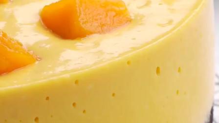 不用烤箱,不需要淡奶油,简单又好吃!芒果酸奶慕斯在家做~