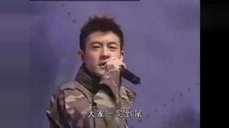 陈冠希这首歌当年拿下多个大奖,他的说唱水平绝对在吴亦凡之上