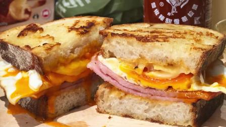 鸡蛋培根三明治,希望你在肚子饿的时候能遇到这样一个给你做东西吃的人