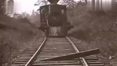 第一根是勇气,第二根是智慧,火车前面那个东西原来是这样用的!