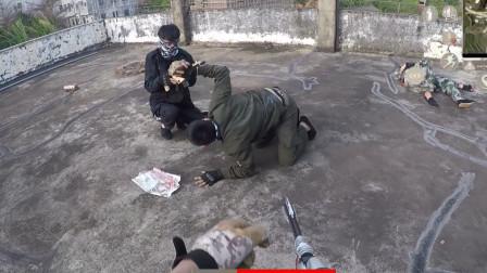 真人版吃鸡:敌人假装投降,暗地里居然想用板砖偷袭,结局惨了!