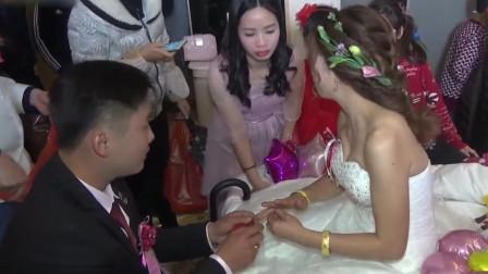 小镇婚礼都很热闹 隆隆重重接新娘子回家啦