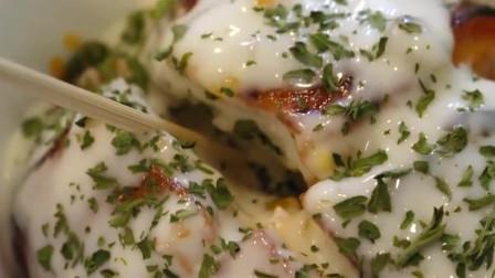 陕西街头网红美食教程来啦! 培根苏格兰蛋的美味做法码起来。