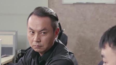 陈翔六点半:小伙展示如何向朋友借钱,一顿操作猛如虎,一看好友只有五!