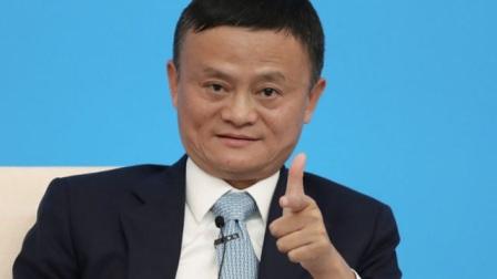 马云退休后放飞自我,竟跑去非洲当评委,网友:综艺一哥!