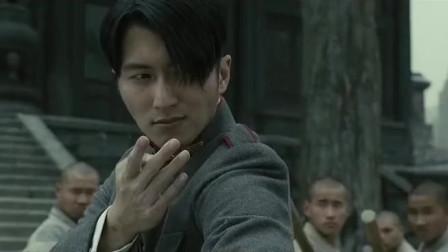 少林寺:谢霆锋打不过和尚,便耍赖拔枪,刘德华都看不下去了