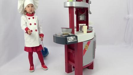 国外儿童时尚:小萝莉跟宝宝做美味早餐,还有煎蛋呢真好吃
