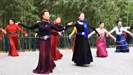 北京紫竹院公园杜老师舞团,最美的广场舞,最喜欢青花瓷老师了