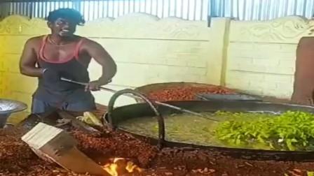 印度美食,青菜也要用油炸,阿三为什么翻菜时要抛的那么高?