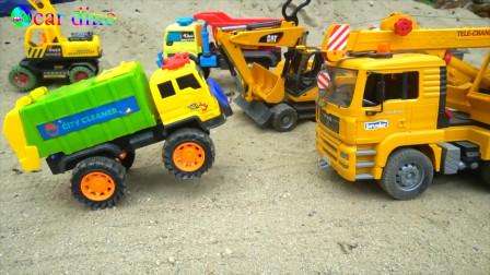 工程车 挖掘机 挖土车 吊车 运输车,救援落水的运输车玩具故事,有趣的儿童玩具视频