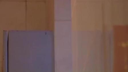 小倩买下两台大冰柜藏尸体,在家连两人用冰箱藏尸