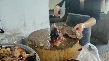 正宗的广东烧鹅,厂里给员工这样吃!太爽了!很多人都没见过!
