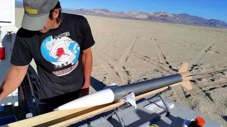 自制火箭真的能飞向太空吗?国外小伙亲制作测试,发射那刻太厉害了