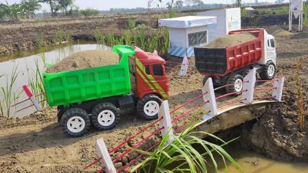 彩色自卸卡车玩具运输河道淤泥