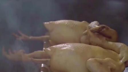 特色美食:熏肠熏腊肉都吃腻了吧,尝尝这只熏鸡,好想吃呀