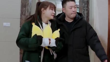 杜海涛送沈梦辰回家,两人在电梯里难舍难离,画面好甜啊
