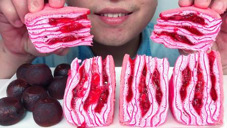 吃冰冻草莓千层蛋糕,空气生乳球,听不同的咀嚼音!