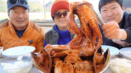 美食吃播:韩国一家三口吃八爪鱼,海螺,鲜虾,鲍鱼,看着太香了!