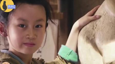 爆笑!王大锤雕塑瞬间被三岁小孩打脸,现在的小孩都这么厉害了吗