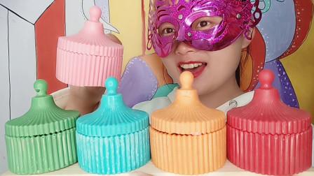 """小姐姐吃手工""""糖果盒巧克力"""",好似波纹蒙古包,果味飘香甜又脆"""