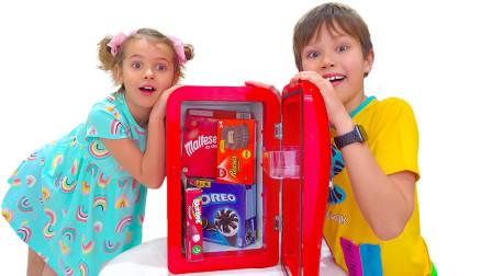 萌宝小猪佩奇玩具故事:好美味!小正太的冰箱里有什么口味的冰棒?