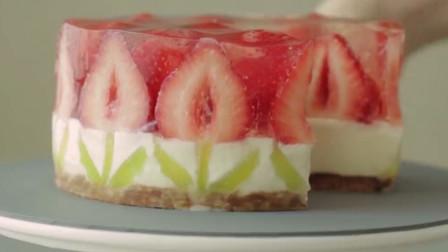 超舒适的草莓芝士蛋糕制作过程,这颜值真的很可以