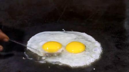 印度人到底有多爱吃鸡蛋?看看这个街头小吃制作吧,干净又美味