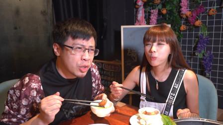 """魔鬼鱼,配上新加坡的叻沙酱,真是""""吃过一次就冇得反转头""""!"""