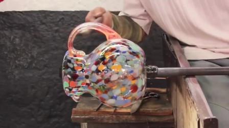 """墨西哥工匠手工制作炫彩玻璃罐,没想到还有类似于""""吹糖人""""的步骤?"""