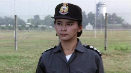 吴君如当警察,人质都被她干掉了,真是猪队友